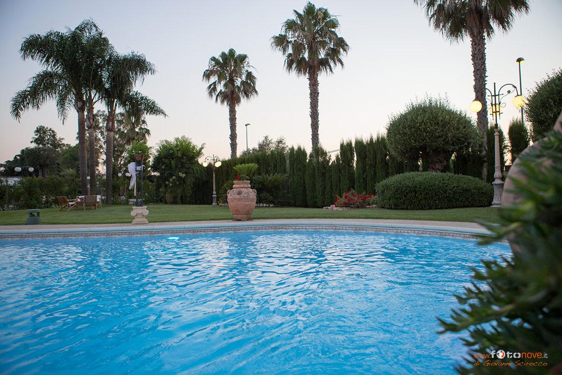 Capodanno villa cavalier cena di gala magia ed eleganza a latina - Capodanno in piscina ...